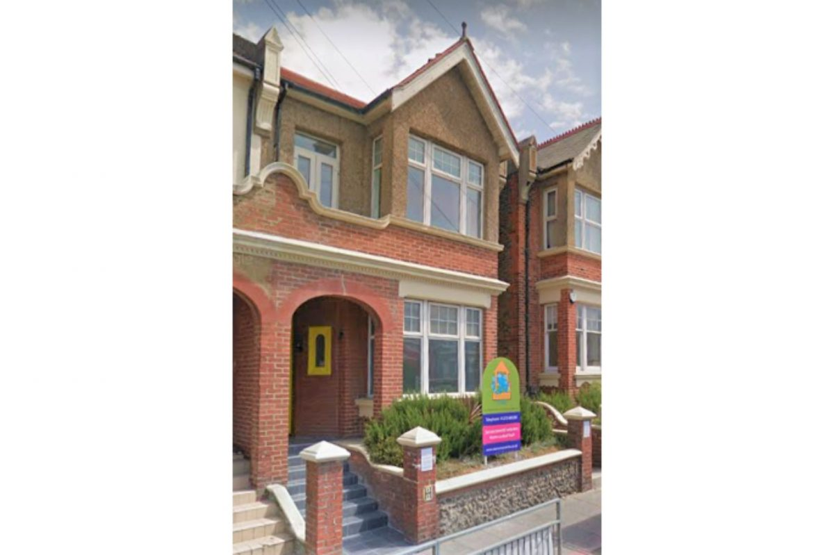 Eastern Road, Brighton property exterior. Edwardian red brick classic building with brivk walled front garden